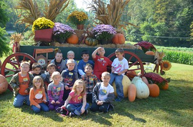 Grades K-2 at Holiday Farms